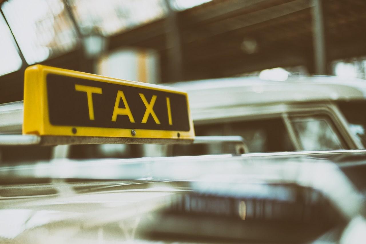 Taxi colis : tout savoir sur cette nouvelle solution d'expédition